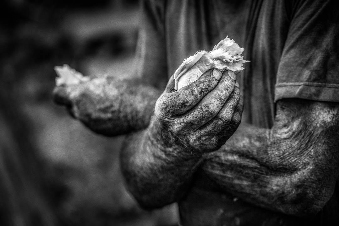 """Le Mani del Carbonaio, Borgo Pace, da """"La Favola dei Carbonai"""" by Tonino Mosconi Fotografo, fineart photography, editoria, pubblicazioni, servizi fotografici turismo"""