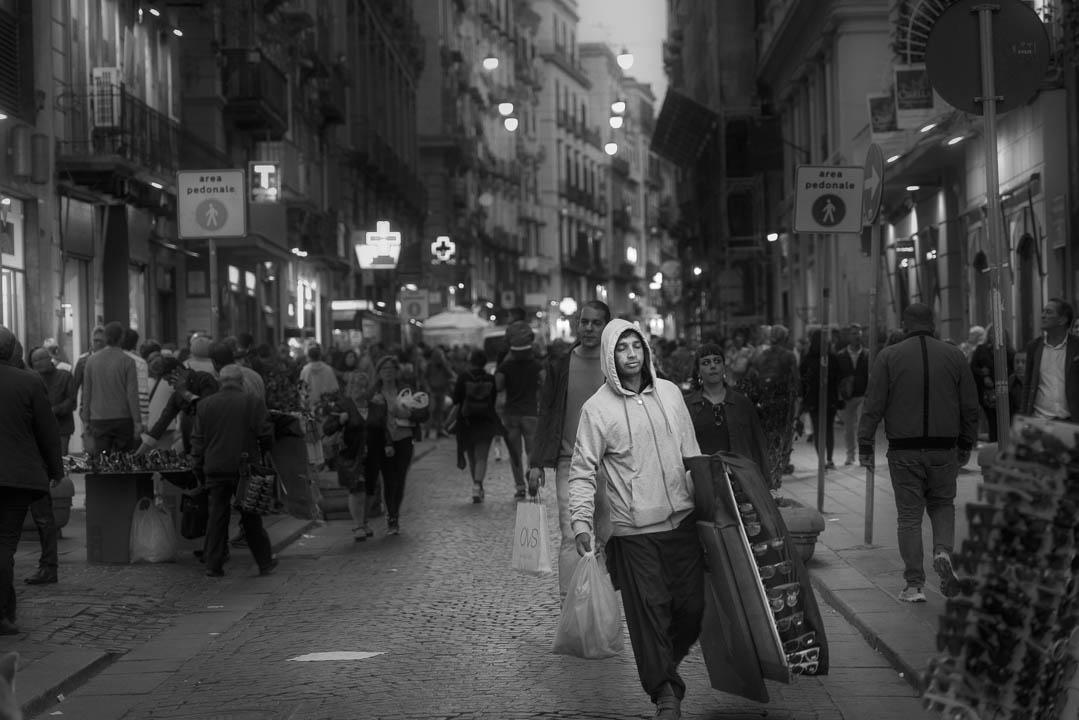 Gente per i vicoli di Napoli by Tonino Mosconi Fotografo, fineart photography, editoria, pubblicazioni, servizi fotografici turismo