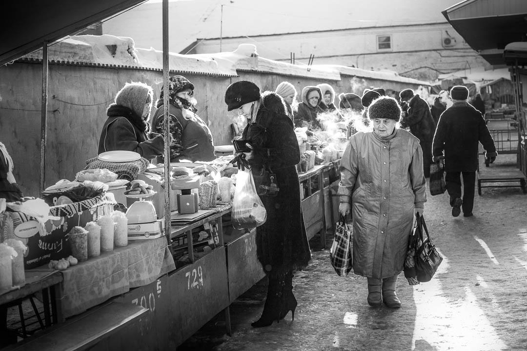 Kostroma, Susaninskaja phloschad, il mercato della città, Russia by Tonino Mosconi Fotografo, fineart photography, editoria, pubblicazioni, servizi fotografici turismo