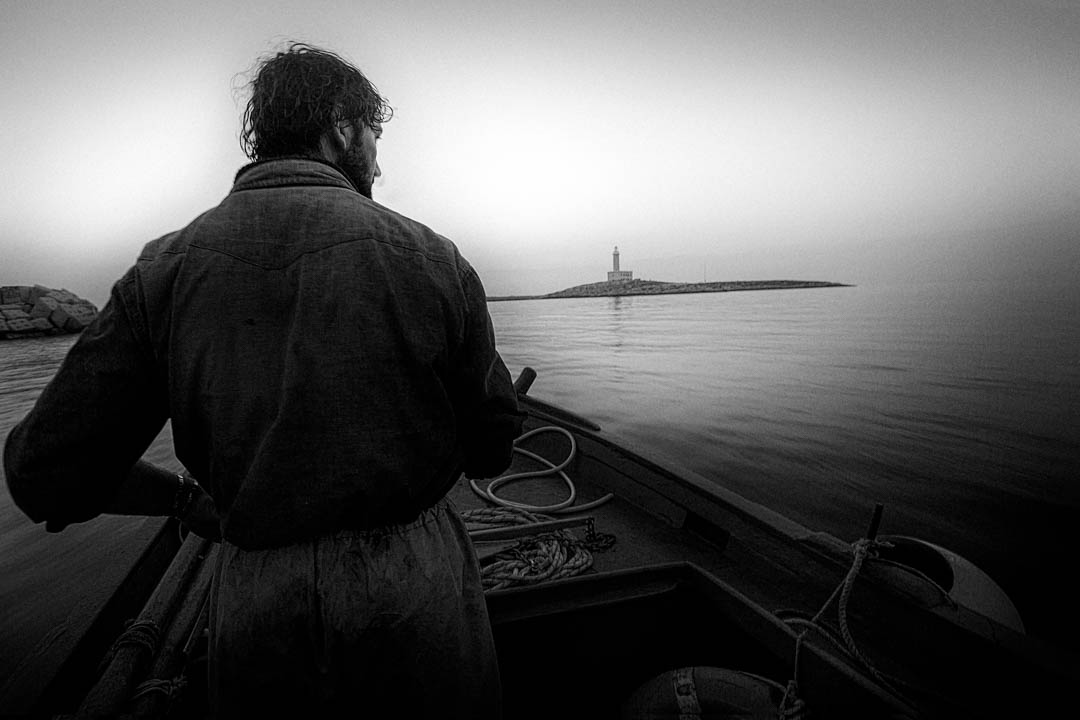 Pescatore a Vieste, Puglia, Italy by Tonino Mosconi Fotografo, fineart photography, editoria, pubblicazioni, servizi fotografici turismo